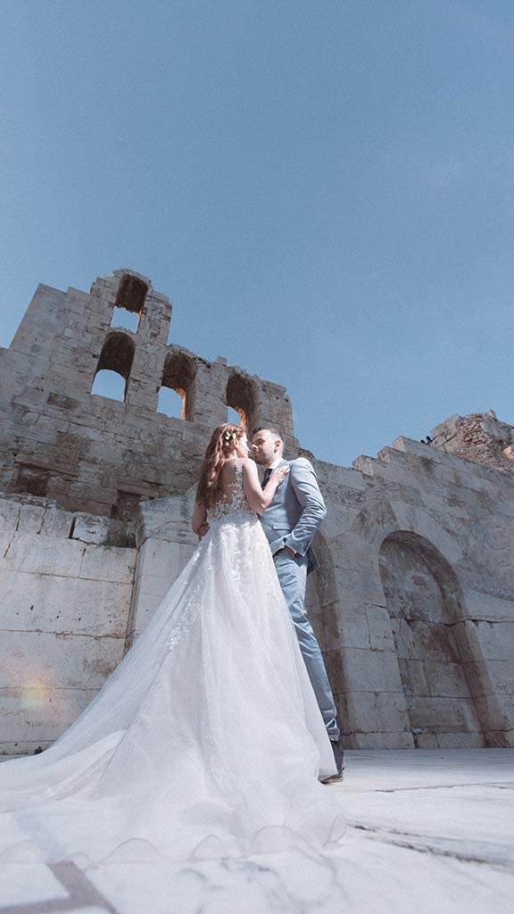 Lovely city wedding in acropolis
